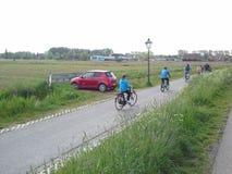 Η προσοχή και το ποδήλατο στο δρόμο αναμιγνύουν και math wonderfull Στοκ Εικόνες