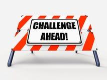 Η πρόκληση υπογράφει μπροστά παρουσιάζει για να υπερνικηθεί το α Στοκ φωτογραφία με δικαίωμα ελεύθερης χρήσης