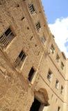 Η πρόσοψη ενός αρχαίου σπιτιού λάσπης, σουλτανάτο του Ομάν, Alhamra στοκ εικόνα με δικαίωμα ελεύθερης χρήσης