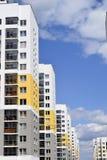 Η πρόσοψη του κατοικημένου κτηρίου Στοκ Εικόνες