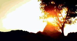 η πτώση πηγαίνει κάτω επιταχύνει το σαφές ηλιοβασίλεμα βουνών στον ταξιδιώτη επάνω Στοκ Εικόνες