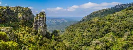 Η πυραμίδα λικνίζει έναν πολύ ψηλό quartzite βράχο σε Sabie Graskop Mpumalanga Νότια Αφρική στοκ φωτογραφία με δικαίωμα ελεύθερης χρήσης