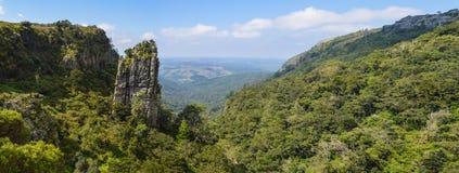 Η πυραμίδα λικνίζει έναν πολύ ψηλό quartzite βράχο σε Sabie Graskop Mpumalanga Νότια Αφρική στοκ εικόνα με δικαίωμα ελεύθερης χρήσης