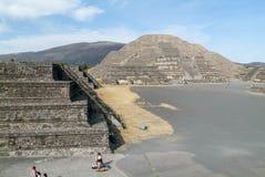 Η πυραμίδα φεγγαριών σε Teotihuacan EN Μεξικό Στοκ Εικόνα