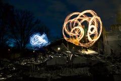 Η πυρκαγιά παρουσιάζει στη βιομηχανική θέση Στοκ φωτογραφία με δικαίωμα ελεύθερης χρήσης