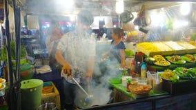Η πυρκαγιά Wok παρουσιάζει, δικαστήριο τροφίμων οδών Bangla, Patong, Phuket, Ταϊλάνδη φιλμ μικρού μήκους