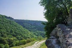 Η πόλη σπηλιών του chufut-Kale, Κριμαία, περιοχή Bakhchsarai στοκ φωτογραφίες με δικαίωμα ελεύθερης χρήσης