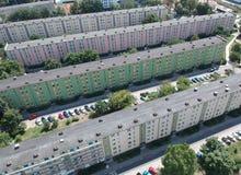 Η πόλη στιλβωτικής ουσίας του Γντανσκ, εμποδίζει τα επίπεδα σπίτια, υψηλή πυκνότητα, δέντρα, εναέρια άποψη στοκ φωτογραφίες
