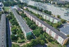 Η πόλη στιλβωτικής ουσίας του Γντανσκ, εμποδίζει τα επίπεδα σπίτια, υψηλή πυκνότητα, δέντρα, εναέρια άποψη στοκ φωτογραφία