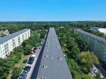 Η πόλη στιλβωτικής ουσίας του Γντανσκ, εμποδίζει τα επίπεδα σπίτια, υψηλή πυκνότητα, δέντρα, εναέρια άποψη στοκ εικόνα με δικαίωμα ελεύθερης χρήσης
