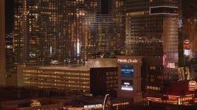 Η πόλη του Λας Βέγκας ανάβει τη νύχτα - τα καταπληκτικά ξενοδοχεία στο Las Vegas Strip - τις ΗΠΑ το 2017 απόθεμα βίντεο