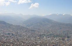 Η πόλη του Λα Παζ υψηλή στα βουνά των Άνδεων στη Βολιβία Στοκ φωτογραφία με δικαίωμα ελεύθερης χρήσης