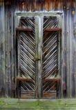 Η πόρτα ενός παλαιού μύλου στοκ εικόνα