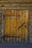 Η πόρτα μιας καλύβας Στοκ φωτογραφία με δικαίωμα ελεύθερης χρήσης
