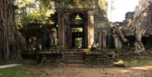 Η πόρτα στο ναό Ankor Wat σε Siem συγκεντρώνει Στοκ φωτογραφίες με δικαίωμα ελεύθερης χρήσης