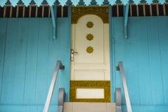 Η πόρτα του σπιτιού παράδοσης και πολιτισμού της Ινδονησίας Στοκ φωτογραφία με δικαίωμα ελεύθερης χρήσης
