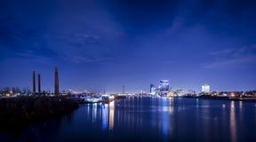 Η πόλη ανάβει τον ορίζοντα Στοκ εικόνες με δικαίωμα ελεύθερης χρήσης