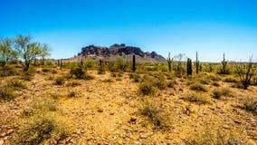 Η πόλη της σύνδεσης Apache στο πόδι του βουνού δεισιδαιμονίας Στοκ εικόνα με δικαίωμα ελεύθερης χρήσης