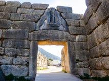 Η πύλη λιονταριών σε Mykines, Ελλάδα στοκ εικόνες