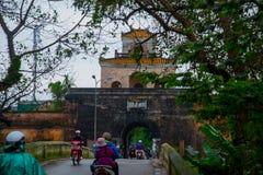 Η πύλη παλατιών, αυτοκρατορική τάφρος παλατιών, Βιετνάμ, χρώμα Στοκ Εικόνα