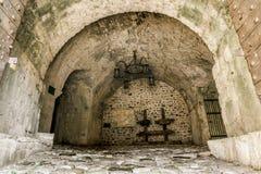 Η πύλη πόλεων στην παλαιά κωμόπολη του φραγμού Μαυροβούνιο Στοκ εικόνα με δικαίωμα ελεύθερης χρήσης