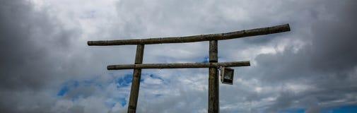 Η πύλη στη διαμόρφωση του σύννεφου βροχής , ύφος της Ασίας Ταϊλάνδη Στοκ εικόνες με δικαίωμα ελεύθερης χρήσης