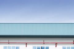 Η πλάγια όψη του κτηρίου εργοστασίων Στοκ εικόνα με δικαίωμα ελεύθερης χρήσης