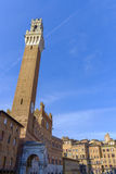 Η πλατεία del Campo είναι το κύριο τετράγωνο της Σιένα με την άποψη σχετικά με Palazzo Pubblico Στοκ Φωτογραφίες