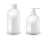Η ρεαλιστική καλλυντική χλεύη μπουκαλιών έθεσε επάνω το πακέτο στο άσπρο υπόβαθρο Καλλυντικό πρότυπο εμπορικών σημάτων Πακέτο σαμ στοκ εικόνες