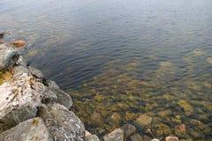 Η ροή του θαλάσσιου νερού στοκ εικόνα με δικαίωμα ελεύθερης χρήσης