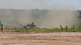 Η ρωσική πυρκαγιά δεξαμενών τ-80U απόθεμα βίντεο