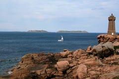 Η ρόδινη ακτή γρανίτη, σε Ploumanach, Βρετάνη, Γαλλία Στοκ Εικόνες