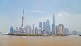 Η Σαγκάη Κίνα 10 Σεπτεμβρίου 2013, Timelapse των βαρκών διασχίζει τον ποταμό Huangpu στη Σαγκάη, Κίνα Άποψη από το φράγμα απόθεμα βίντεο