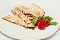 η σαλάτα στριμώχνει tortilla Στοκ Εικόνα