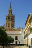 Η Σεβίλη, ES - τον Αύγουστο του 2008 CIRCA - το Giralda είναι ο πύργος κουδουνιών στοκ εικόνες