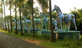 Η σειρά του ινδικού αγάλματος του χωριού Θεών ατόμων αλόγων γενναίου Στοκ Εικόνες