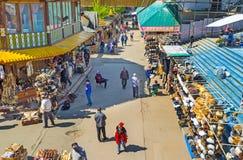 Η σειρά των καπέλων γουνών στην αγορά Izmailovsky Στοκ Φωτογραφίες