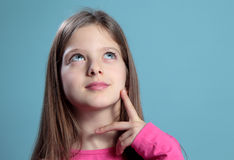 Η σκέψη κοριτσιών. Στοκ Φωτογραφίες