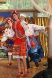 Η σκηνή Ð ¾ ν είναι χορευτές και τραγουδιστές, δράστες, μέλη χορωδιών, χορευτές corps de ballet, soloists του ουκρανικού συνόλου  Στοκ Εικόνες