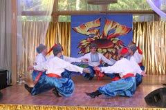 Η σκηνή Ð ¾ ν είναι χορευτές και τραγουδιστές, δράστες, μέλη χορωδιών, χορευτές corps de ballet, soloists του ουκρανικού συνόλου  Στοκ Φωτογραφίες