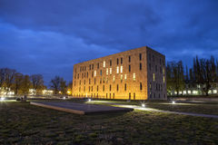 Η σκηνή νύχτας του σαξονικού κράτους και της πανεπιστημιακής βιβλιοθήκης Δρέσδη Στοκ Φωτογραφίες
