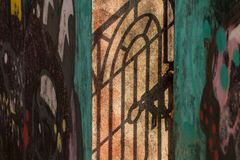 Η σκιά του wicket στον τοίχο Στοκ εικόνες με δικαίωμα ελεύθερης χρήσης