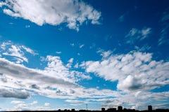 Η σκιαγραφία της πόλης Togliatti στοκ εικόνες