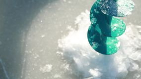 Η σπείρα με τα χρωματισμένα νήματα Στοκ Φωτογραφίες