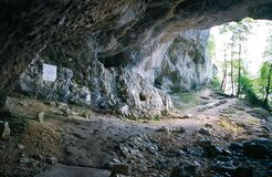 Η σπηλιά του Λα Luire στο οροπέδιο Vercors, η σπηλιά της αντίστασης στοκ εικόνα με δικαίωμα ελεύθερης χρήσης