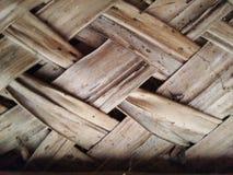 Η στέγη παλαιού το σπίτι στεγών με το φύλλο φύλλων καρύδων Στοκ Εικόνες