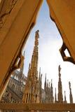 Η στέγη του Di Μιλάνο Duomo καθεδρικών ναών του Μιλάνου Στοκ Εικόνες