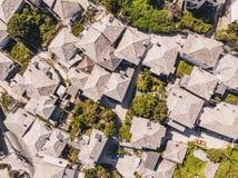 Η στέγη OS πετρών τα παραδοσιακά ελληνικά σπίτια σε Panagia, Θάσος στοκ εικόνα με δικαίωμα ελεύθερης χρήσης