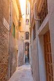 Η στενότερη θέα οδών στην πόλη της Βενετίας είναι varisco Calle στοκ εικόνα με δικαίωμα ελεύθερης χρήσης
