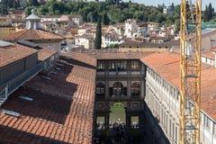 Η στοά Uffizi σε μια ηλιόλουστη ημέρα Άποψη από Palazzo Vecchio Φλωρεντία Ιταλία Τοσκάνη Στοκ Εικόνες